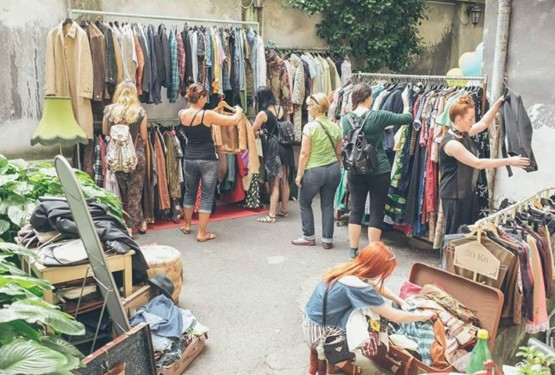 Vintage yard sale at Ulični Ormar